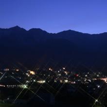 白馬三山と白馬山麓の夜景